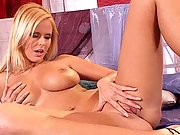 Perfect & busty babe Zuzana Drabinova strips nude