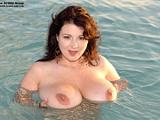 Lorna Morgan get wet by the beach