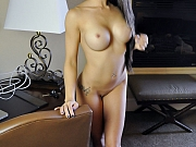 Sexy Asian babe Sumalee bigtits