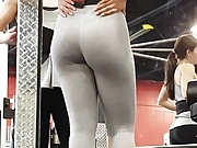 Candid incredible jiggly ass in grey!!2