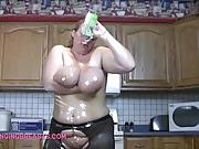 A blonde soaks her big juggs
