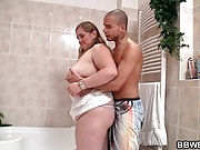 He bangs fat girlfriend in the bathroom