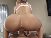 CURVY STEP DAUGHTER JESSA RHODES IS CAUGHT IN THE ACT